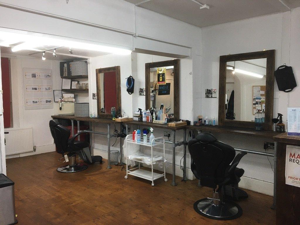 Barbers area two meters
