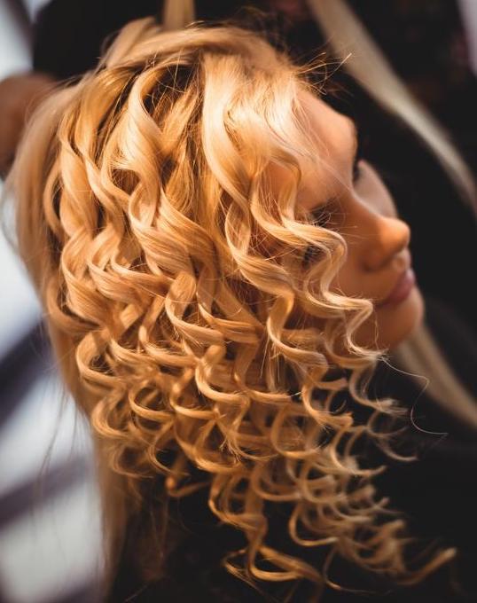 prom hair curls